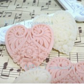 Floral Resin Hearts - 3pcs